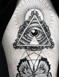 一组太阳眼睛纹身图片由纹身520图库推荐