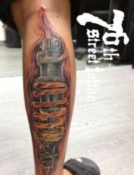 男生腿部很酷的机械腿纹身图片