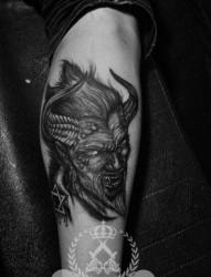 腿部超酷凶悍的恶魔撒旦纹身图片