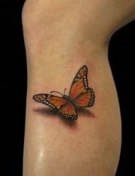 纹在小腿部的立体蝴蝶纹身图片作品