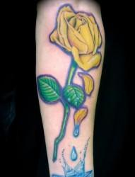 专业文身:黄色玫瑰花文身图片作品