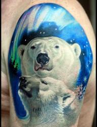 大臂小白熊纹身图片作品