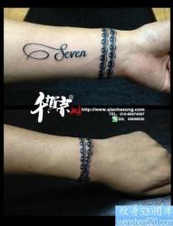 手腕简单潮流的手链纹身图片
