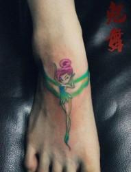 女人脚背时尚唯美的小精灵纹身图片