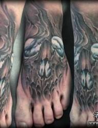 脚背潮流很酷的欧美骷髅纹身图片
