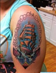 纹身520图库推荐一幅大臂帆船纹身图片