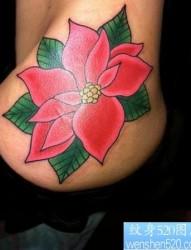臀部纹身图片:一幅美女臀部彩色花卉纹身图片纹身作品