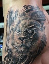 臀部霸气的狮头纹身图片