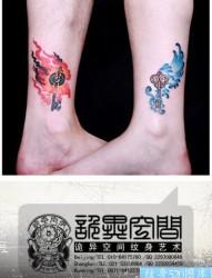 腿部漂亮时尚的情侣钥匙纹身图片
