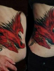 娇艳的红色凤凰纹身图案