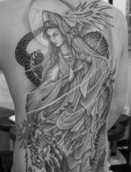 骑龙观音满背纹身图案