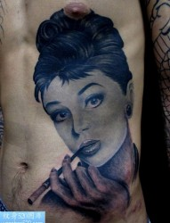 奥黛丽·赫本肖像纹身图案
