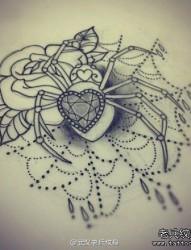 蜘蛛玫瑰花纹身手稿图案