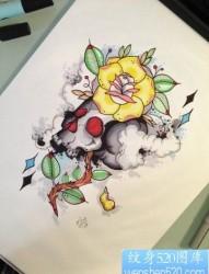 个性彩色骷髅花朵纹身手稿图案