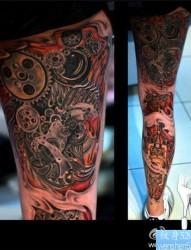 个性的腿部机械纹身图案