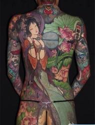 满背彩色仕女图纹身图案