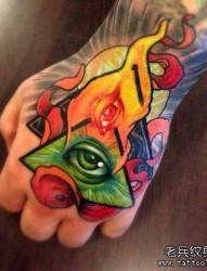 手部彩色上帝之眼纹身图案