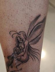 一款脚踝小精灵纹身图案