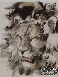 一款水墨风格的狮子纹身图案