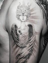 一款手臂金牛座天使纹身图案