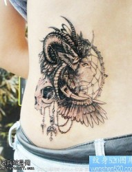 腰部羚羊狮子捕梦网纹身图片