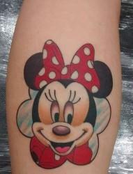 腿部卡通彩色米奇纹身图案