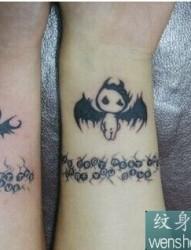 手臂小恶魔纹身之情侣纹身
