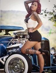 时尚漂亮的女孩子钟爱纹身的原因