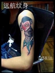 手臂帅气的社会候纹身