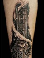 手臂帅气的机械纹身
