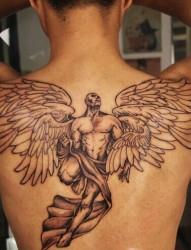 男士背部大气的天使纹身