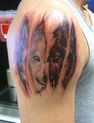 非常霸气的狼头纹身