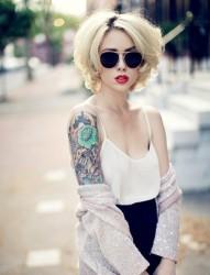 欧美女生个性纹身
