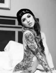 纹身的女人永远那么性感