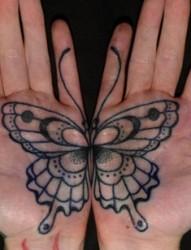 手掌上个性图案纹身