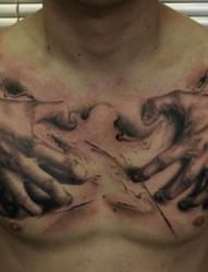 潮流男士胸部纹身