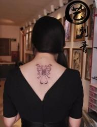 蝴蝶纹身  美女纹身  沈阳纹身  真艺作品