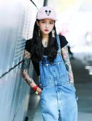 韩国美女纹身师Lina Ahn的时尚纹身秀