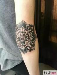 时尚创意手肘纹身图案