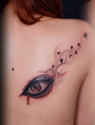 肩背部梵文纹身图片