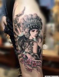腿上的古典花旦纹身图片