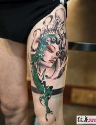 个性时尚的腿部花旦纹身