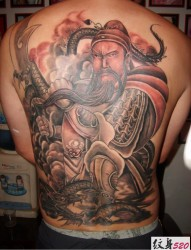 威武霸气的降龙关公纹身