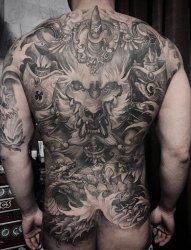霸气的满背貔貅纹身