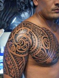男性手大臂膀霸气的部落图腾纹身图案