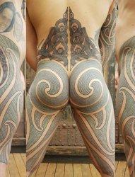 男性屁股腿部传统毛利人纹身图案