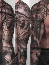 无可挑剔的黑灰色花臂纹身图案来自格雷格