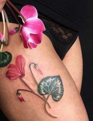 多款女性漂亮的花卉纹身图案