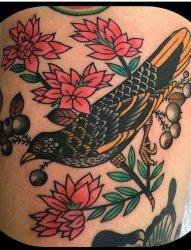 彩色的传统纹身动物和植物纹身图案