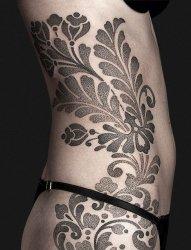 漂亮的黑色的点刺纹身几何纹身图案
